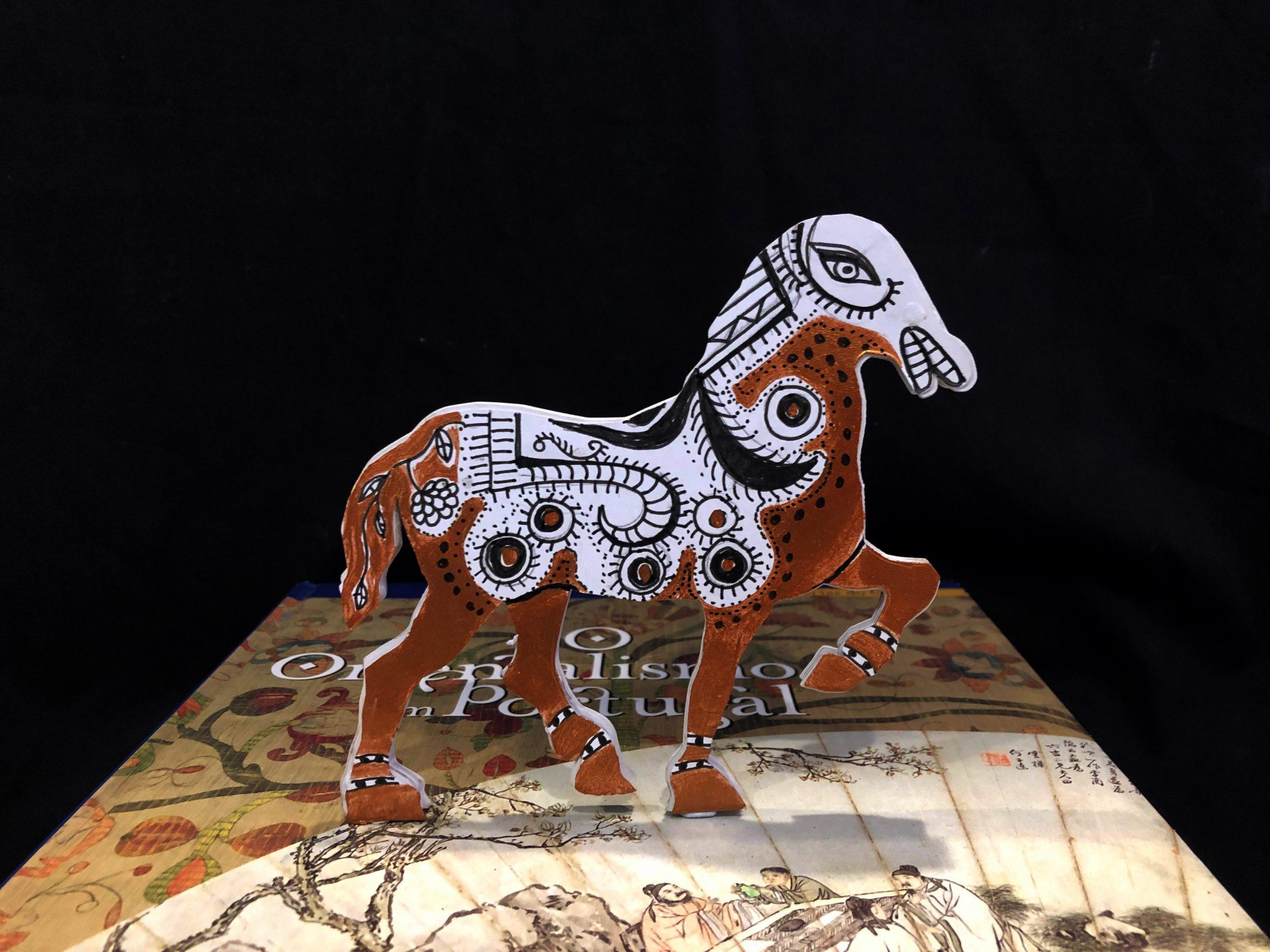 Audrey Fernandes Satar, Mapa, 2021, Paperclay, paint, 25 x 25 cm, Photo: Arif Satar
